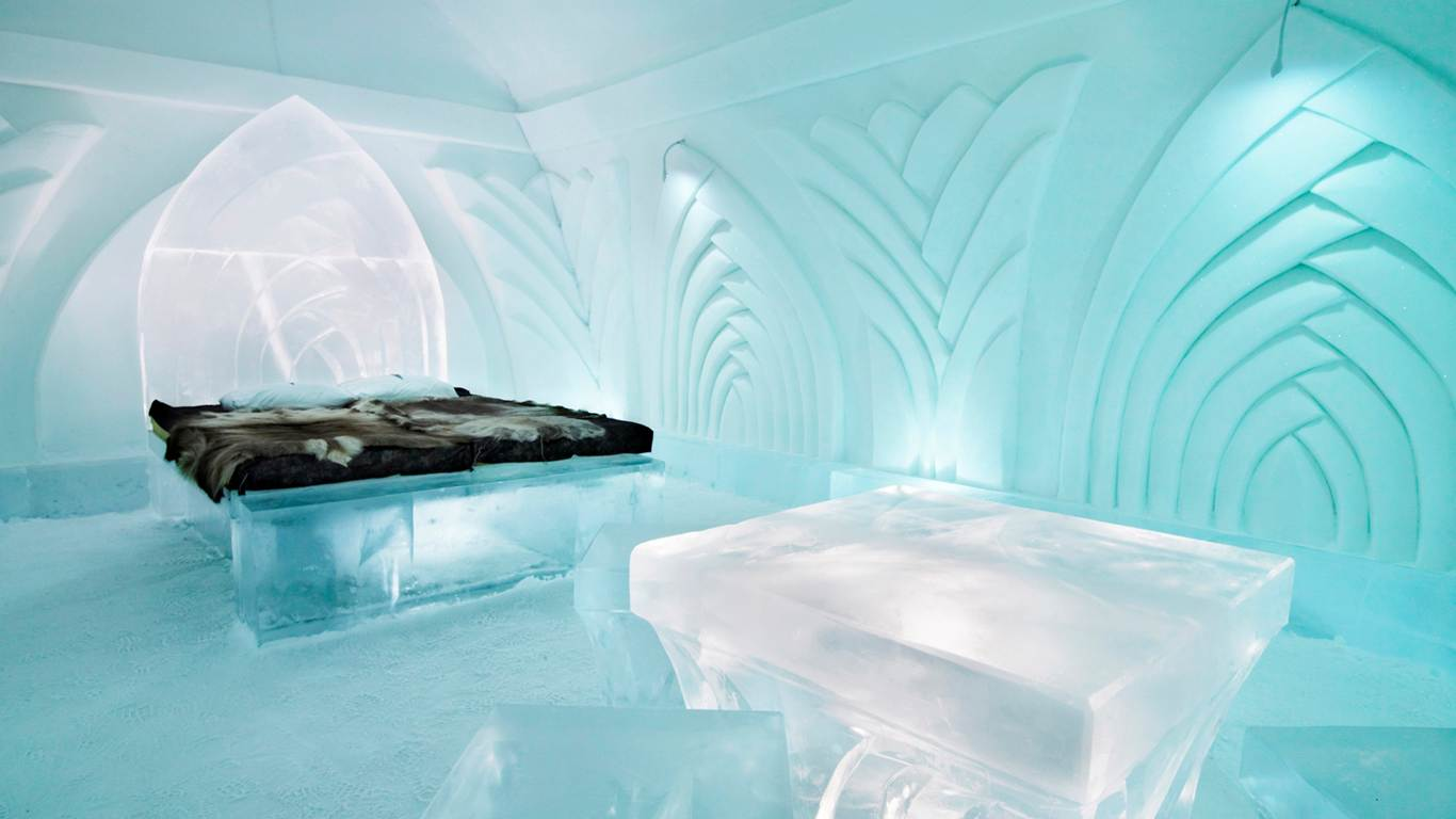 The Ice Hotel 2- tracking trip